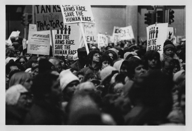 4.10.1982-3 crowd